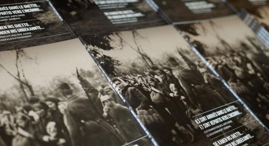 """Niemiecko-francuski katalog do wystawy poświęconej """"Akcji Reinhardt"""""""