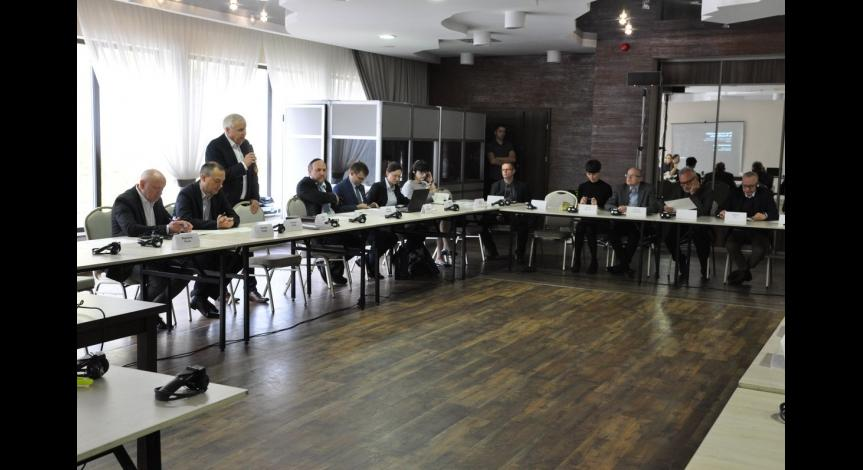 Powiększ obraz: Międzynarodowa dyskusja o wystawie stałej w Sobiborze