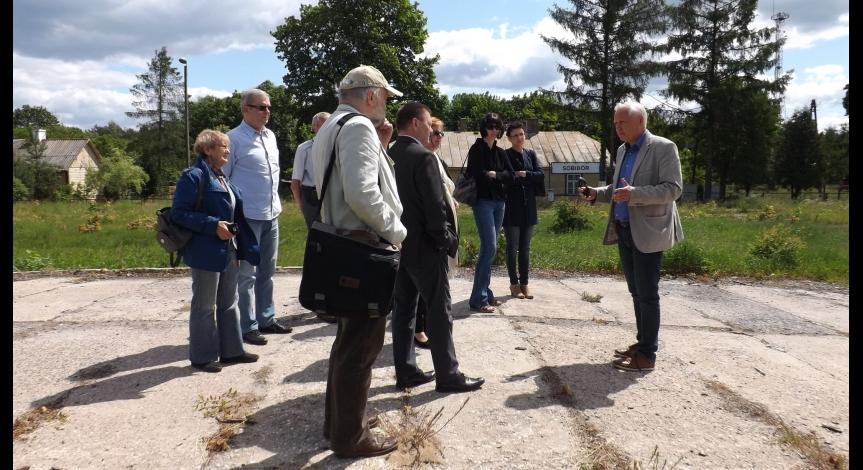Członkowie Rady Muzeum odwiedzają Sobibór