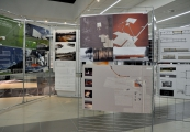 Pokaż powiększenie powyżej: Wystawa pokonkursowa projektów nowego muzeum w Sobiborze