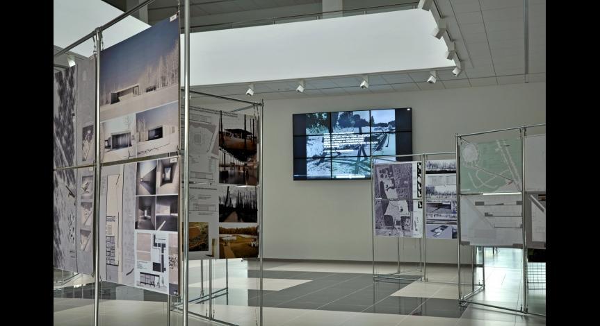 Powiększ obraz: Wystawa pokonkursowa projektów nowego muzeum w Sobiborze