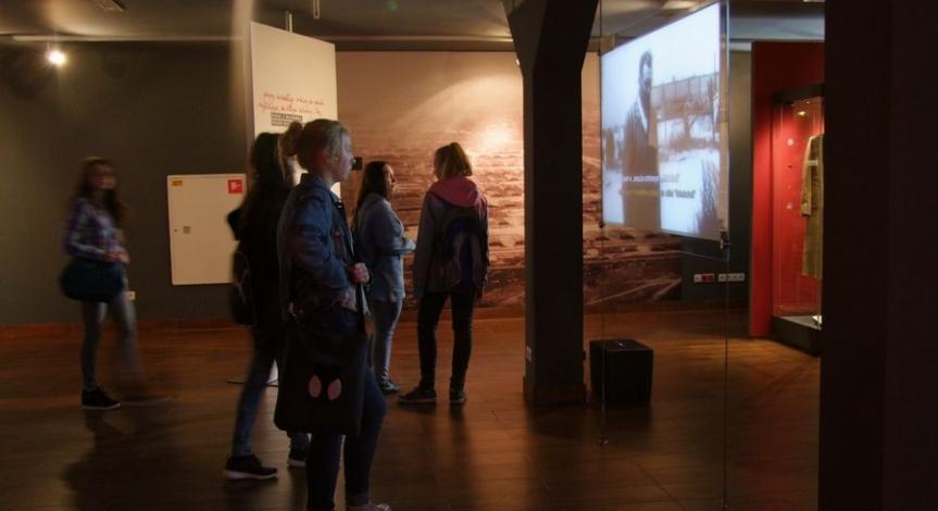 """Program """"Kultura dostępna"""" w działaniach Państwowego Muzeum na Majdanku"""