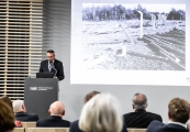 Pokaż powiększenie powyżej: O historii miejsc poobozowych i przyszłości muzeów