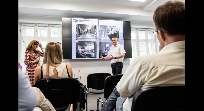 """""""Muzeum w działaniu"""" – o nowych mediach w działalności PMM"""