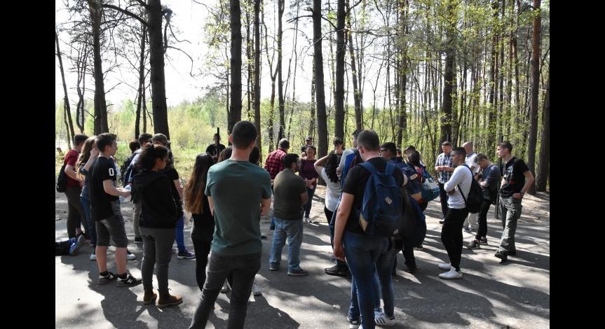 Powiększ obraz: Wizyta młodzieży izraelskiej w Sobiborze