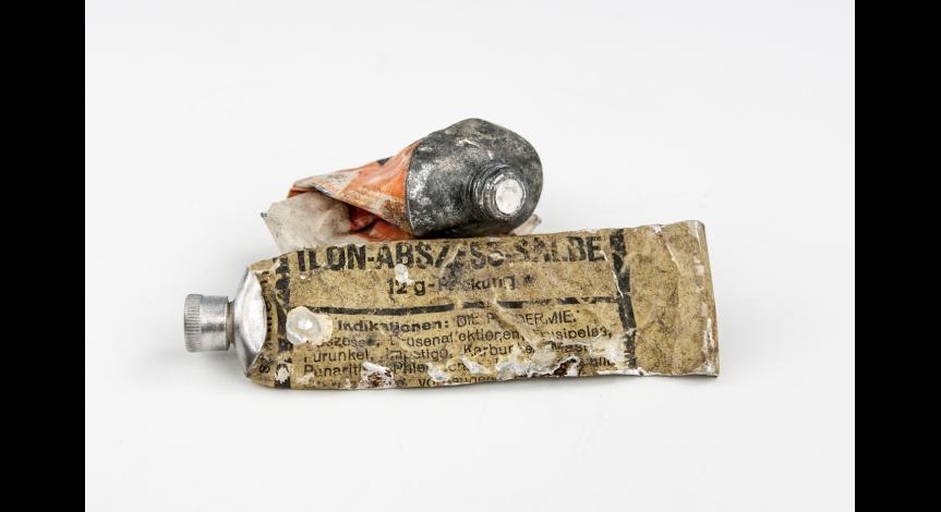 Powiększ obraz: Konserwacja kolejnych reliktów z Sobiboru
